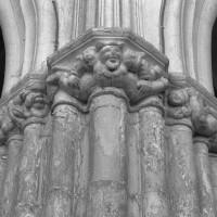 Retombée de voûtes sur un pilier de la nef (1995)