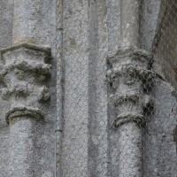 Chapiteaux d'une fenêtre de l'abside (2017)