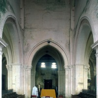La première travée du choeur et la travée du clocher vue vers l'ouest depuis le choeur (1997)