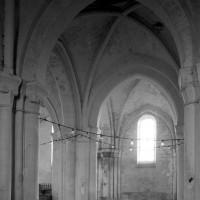 La travée du clocher vue vers le sud avec, au second plan, la première travée du bas-côté sud