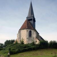 L'église dans son environnement vue de l'est (2016)