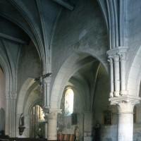 Vue partielle de la nef vers le sud-est (1995)