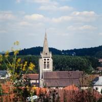L'église dans son environnement vue du sud (1992)