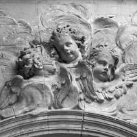 Médaillon du portique (1997)