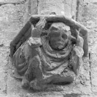 Cul-de-lampe associé à une retombée de voûtes de la chapelle de Louis d'Orléans (1997)