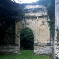 Le portique est vu vers l'est (1997)