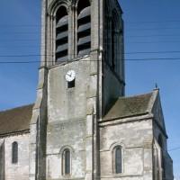 Les parties orientales de l'église vues du sud-est (1993)