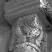 Chapiteau associé à la retombée sud de l'arc doubleau est (1996)