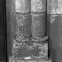Parties basses de la retombée de l'arc-doubleau est entre la travée droite et l'abside (1996)
