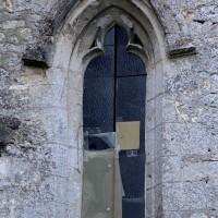Fenêtre du mur est de la chapelle nord (2002)