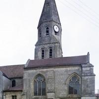 Le choeur et le clocher vus du sud (2002)