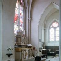 Le choeur et la chapelle sud vus vers le sud-est depuis la chapelle nord (2002)