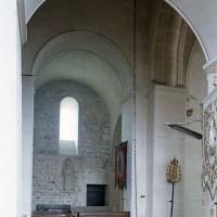 La base du clocher et le croisillon nord vus vers le nord-est (2002)