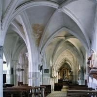 L'intérieur vu vers le nord-est depuis le bas-côté sud (2002)