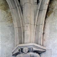 Retombée de voûtes dans une chapelle latérale du choeur (2002)
