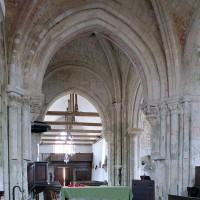 Vue partielle de la première travée du choeur et de la travée du clocher vers l'ouest (2001)