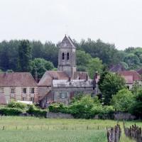 L'église dans son environnement vue du sud-ouest (2002)