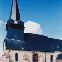 Les parties ouest de l'église vues du sud (2004)