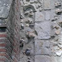 Fenêtre romane au sud de la nef (2001)