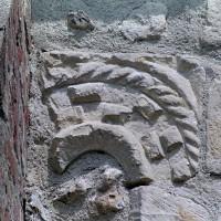 Archivolte de la fenêtre romane au sud de la nef (2001)