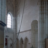 Vue partielle du bras sud du transept vers le sud-ouest (2001)