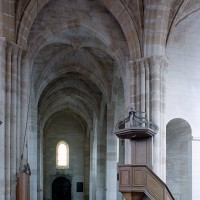 La nef vue vers l'ouest depuis le transept