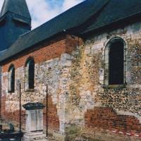 Vue partielle de la nef et du choeur depuis le sud-est (2004)