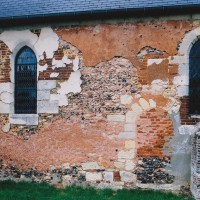 Vue partielle du mur sud de la nef (2004)