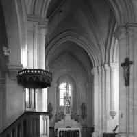 La croisée du transept et le choeur vus vers l'est