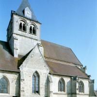 Le clocher et le choeur vus du sud-ouest (2008)