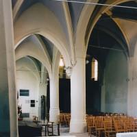 L'intérieur vu vers le nord-ouest depuis le bas-côté sud (2002)