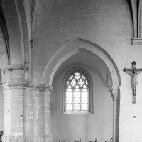 L'arcade romane à la dernière travée du mur gouttereau sud de la nef (1980)