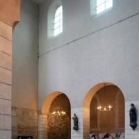 Vue partielle de la nef vers le nord-ouest (2015)