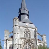 La façade ouest de l'église (2008)
