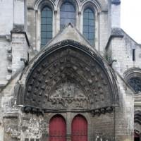La partie centrale de la façade ouest vue de l'ouest (2015)