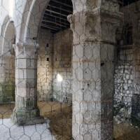 Vue partielle des arcades du mur gouttereau nord de la nef vers le nord-ouest (2016)
