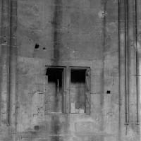 Détail du mur de soubassement de l'abside (1974)