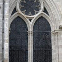 La fenêtre sud du bas-côté est du transept (2015)