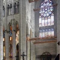 Le bras sud du transept et la première travée du choeur vus vers le sud-est (2015)