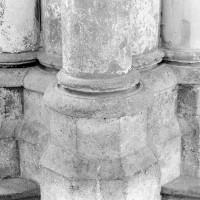 Bases d'une pile intermédiaire entre deux chapelles rayonnantes (2009)