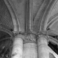 Retombée de voûtes à l'angle du bas-côté sud du choeur et du bas-côté est du bras sud du transept (1998)