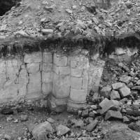 Mur du déambulatoire du bras nord du transept (photo Jean-Pierre Paquet, 1961)