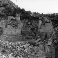 Piles du déambulatoire du bras nord du transept (photo Jean-Pierre Paquet, 1961)