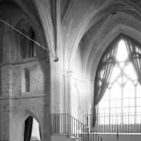 La face sud du clocher et le bras nord du transept vus vers le nord-ouest (1991)