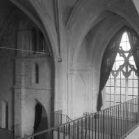 La face sud du clocher et le bras nord du transept vus vers le nord-ouest (1994)