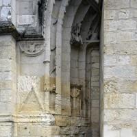 La partie gauche du portail ouest inachevé