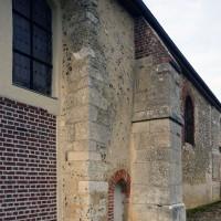 Appareillage d'angle en carreaux et boutisses de la nef romane, vu du sud-ouest (2016)