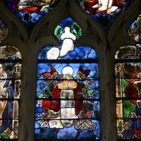 Fenêtre est du bras nord du transept, lancettes : saint Jean-Baptiste; Assomption; Donateurs (2016)