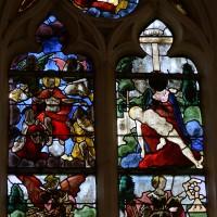 Fenêtre nord-est du choeur : Dieu le Père et la Colombe du Saint-Esprit; le Christ et le Jugement Dernier; Piéta; saint Michel; sainte Catherine (2016)