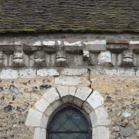 La corniche de la moitié est du mur nord de la nef (2016)